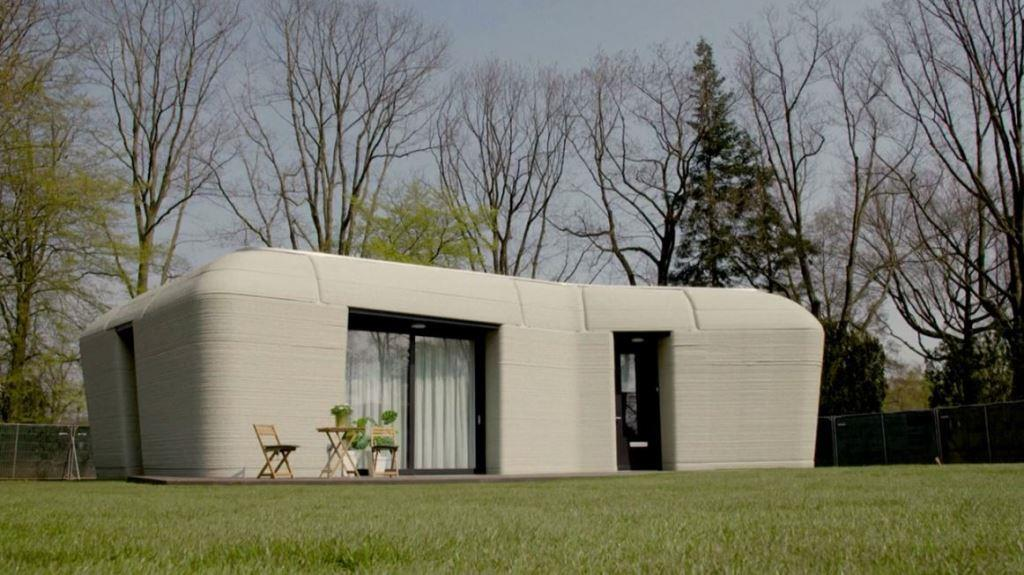 The new tenants of Netherlands' first 3D-printed house received their keys